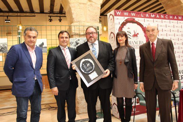 Adán Israel Primer premio «Restauración» Premios Vino y Cultura 2018